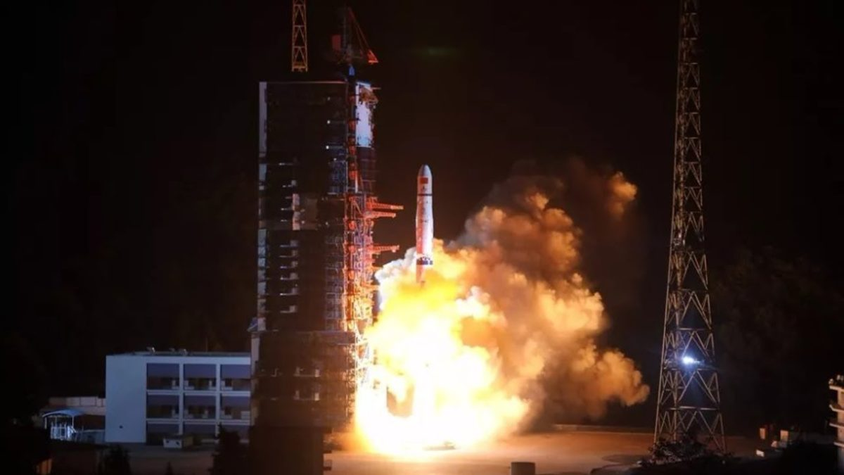 China launches Relay Satellite to explore Moon's Dark Side / Far Side